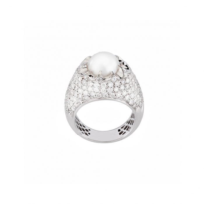 White gold ring with diamonds and SS pearl