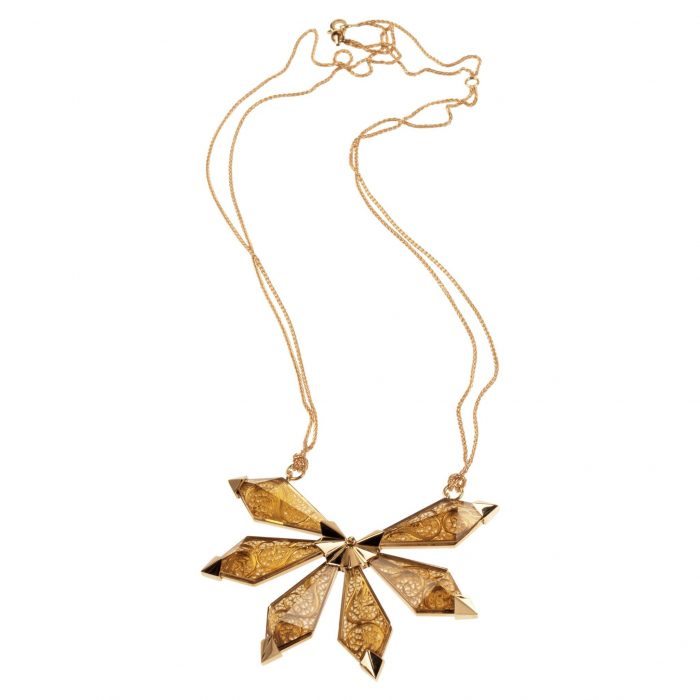 Yellow gold necklace with filigree and citrin